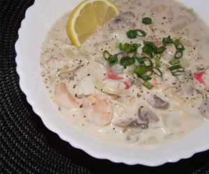 Seafood Chowder clams, shrimp, crab